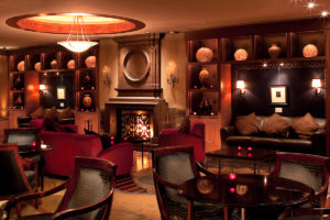Luxury-hotel-lounge-photo-ritz-carlton
