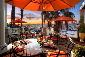 Sunset-luxury-resort-dining