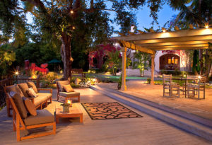 outdoor-living-dusk-lighting-photography