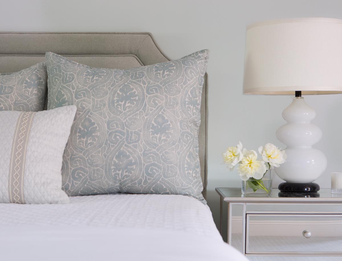 bedside-vignette-detail-photo
