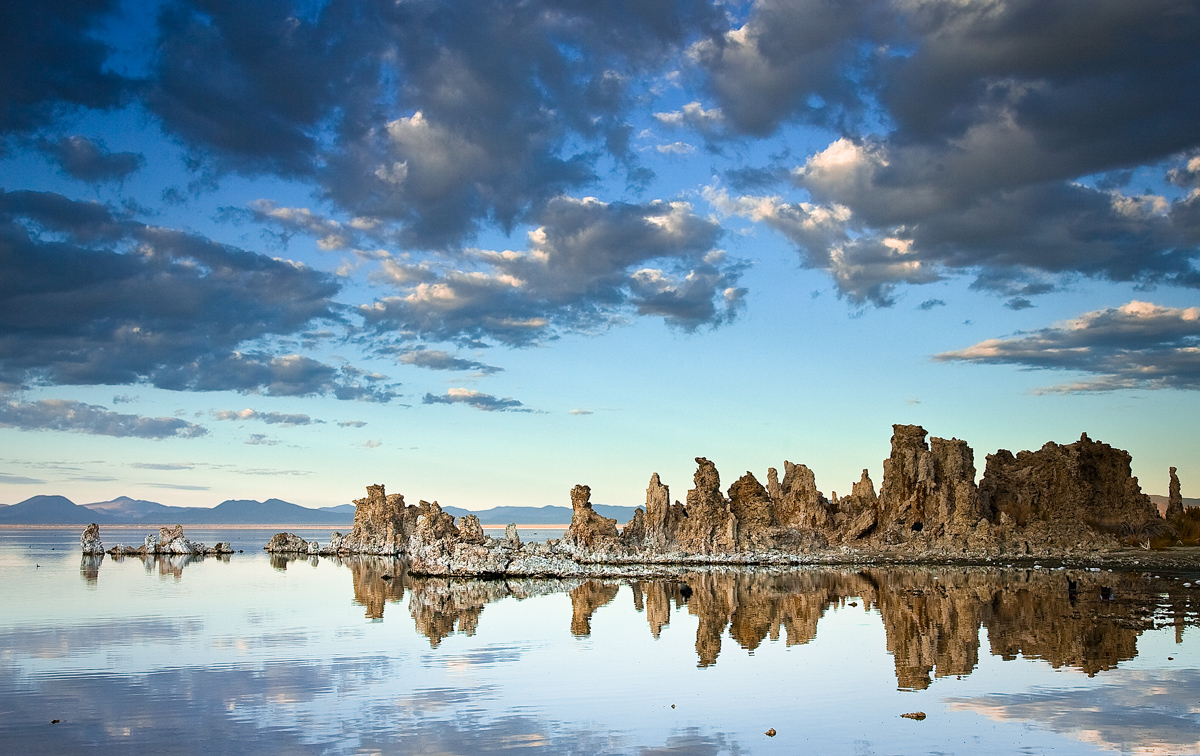 Mono-lake-california-travel-photo
