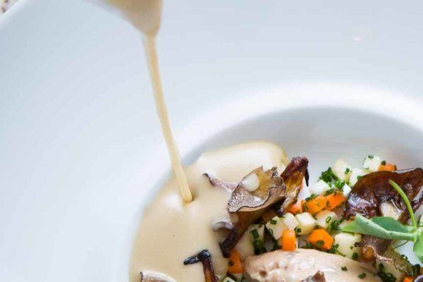 gourmet-food-photography-soup-pour