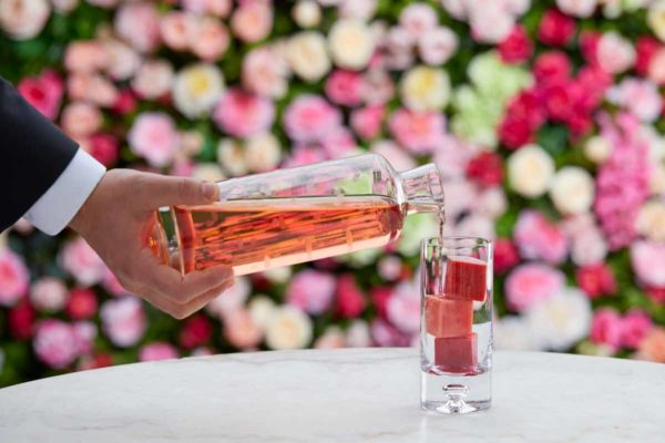Gourmet_cocktail_pour_luxury_hotel_photography