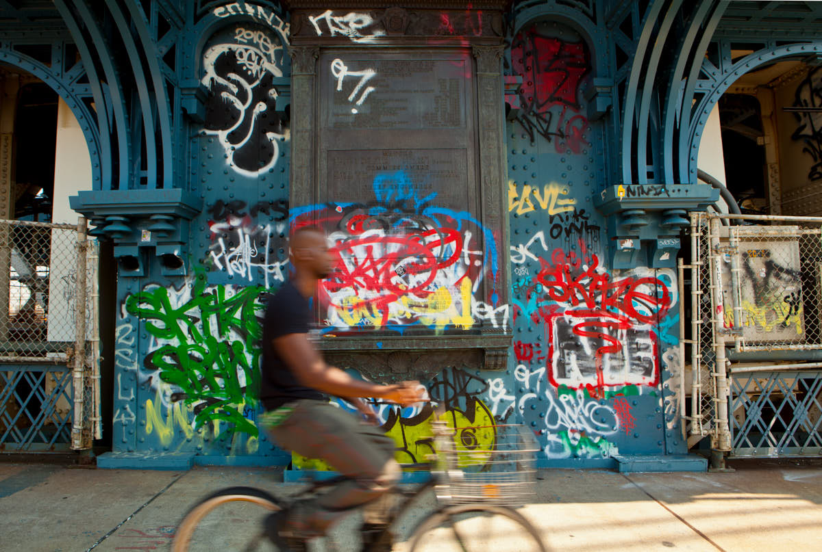 Manhattan_Bridge_Biker_Colorful_Graffiti