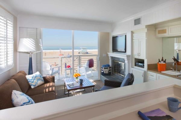 Beachfront-Hotel-room-photography