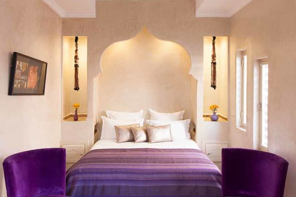 Colorful_Moroccan_Hotel_room_marrakech