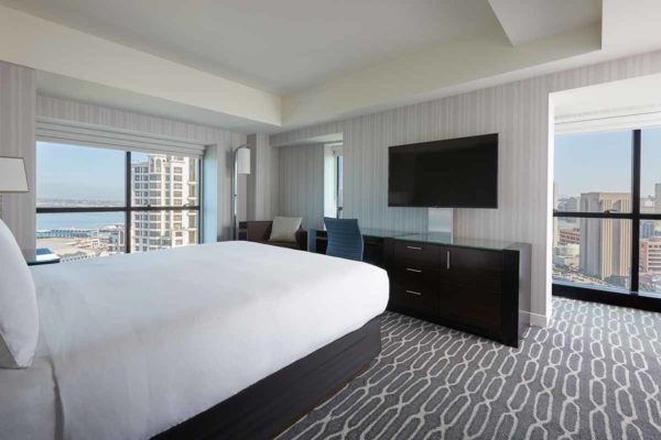 Hote_Room_cityscape_view_san_diego