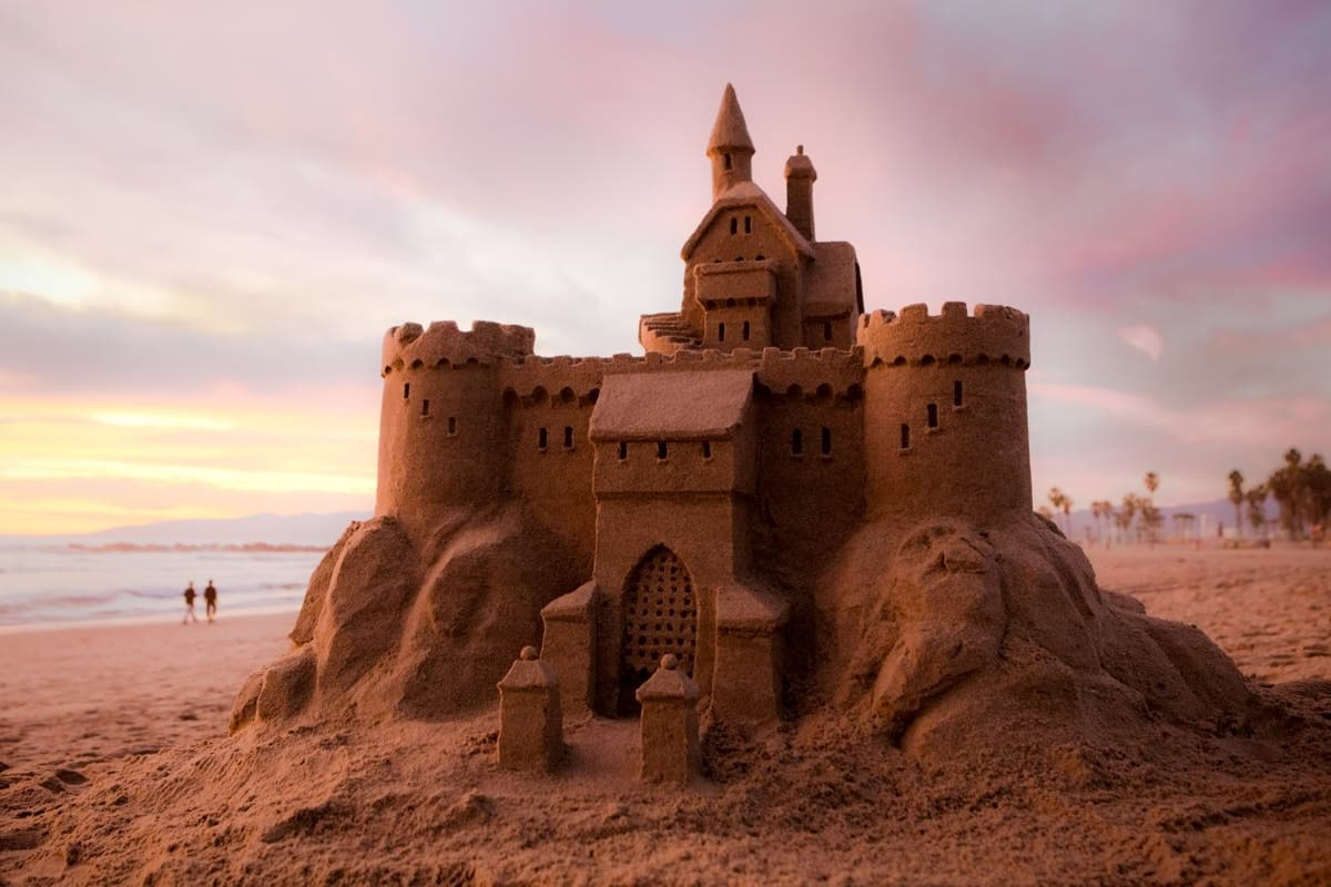 Venice_Beach_Sand_Castle_Sunset