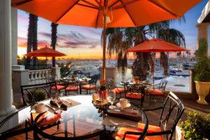 Sunset-luxury-resort-dining