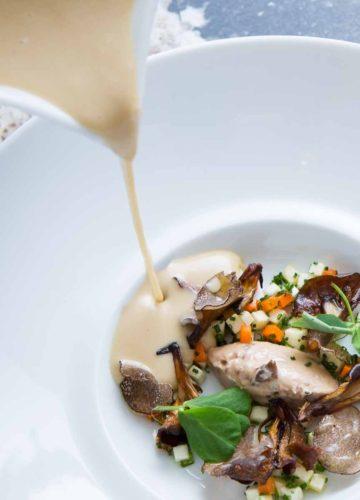 gourmet-food-photography-soup-pour