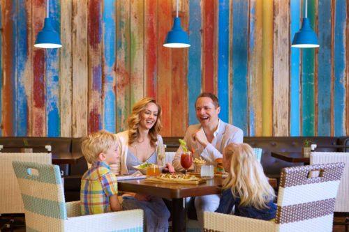 Family_Hotel_restaurant_dining