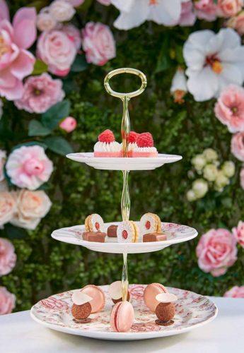 Gourmet_dessert_tower_luxury_hotel