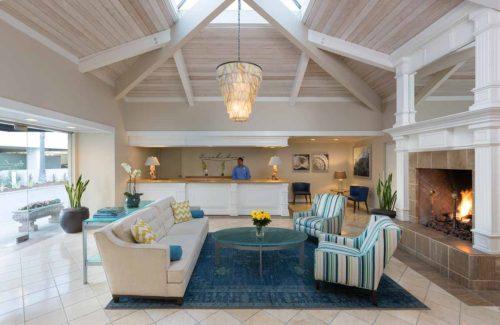 Beach-resort-lobby-interior-photography