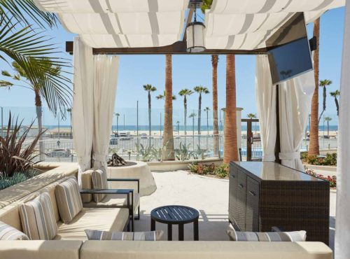 Beachfront_Poolside_Cabana_Hilton_Hotel