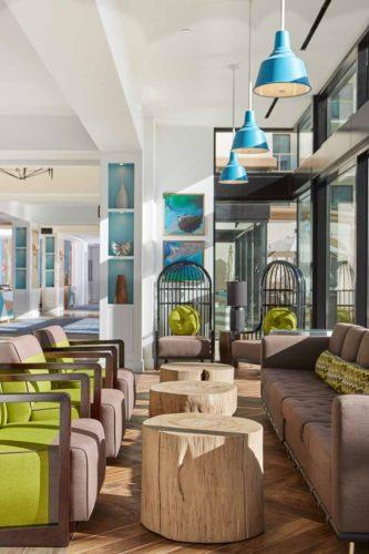 Beach_Hotel_Lounge_Vignette_hilton