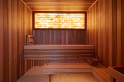 Luxury_Hotel_spa_sauna_salt_wall