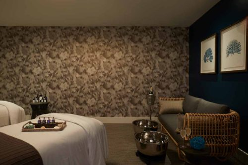 Hotel_Spa_treatment_room_couples_champagne