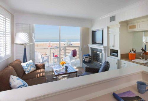 Beachfront-Hotel-room-photography