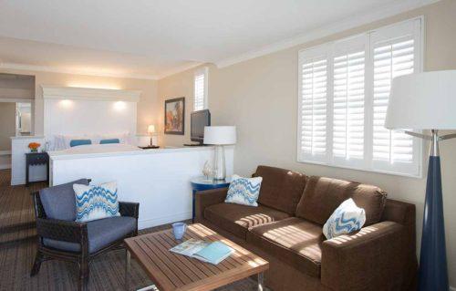 Beach-House-hotel-room-california