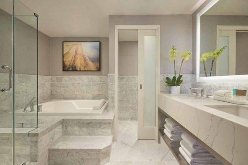 Luxury_suite_Hotel_Marble_bathroom